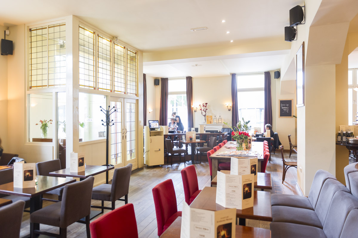 Grand Café Arnhems Meisje